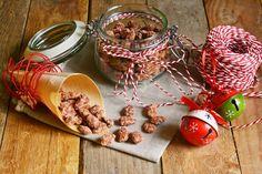 Le mandorle sono ricche di grassi, proteine, sali minerali e vitamine. Sono particolarmente adatte come snack spezza fame, consumate al naturale, ma sono da...