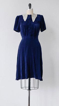 Lille Tøyen Dress / vintage 1940s dress / vintage 40s blue velvet dress