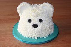 Polar bear cake do do do do do I'm loven  it!