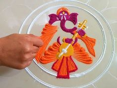 Easy Rangoli Designs Videos, Rangoli Designs Simple Diwali, Rangoli Designs Flower, Free Hand Rangoli Design, Rangoli Border Designs, Small Rangoli Design, Colorful Rangoli Designs, Rangoli Ideas, Flower Rangoli