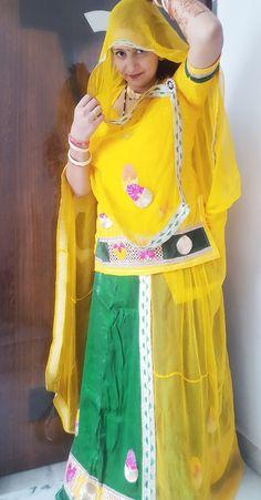 Beautiful Girl Indian, Beautiful Girl Image, Beautiful Saree, Rajasthani Dress, Rajputi Dress, Aunty In Saree, Sexy Wife, Indian Beauty Saree, Wedding Looks