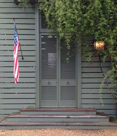 Bill Ingram Architect lake house porch entrance.