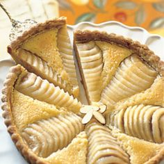 This is a very French tart recipe that is utterly delicious. It's a popular tart among Parisian women, who sometimes cheat and use canned pears and a prepared tart shell. Almond Tart Recipe, Pear And Almond Tart, Pear Tart, Almond Meal, Pear Recipes, Holiday Recipes, Baking Recipes, Almond Recipes, Sweet Pie