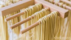 How to make ramen noodles from scratch! All you need is some flour, water, sodium carbonate (you can make it by baking baking soda low in the oven), and salt. No special equipment needed, but a pasta maker would help! Ramen Noodle Recipes Homemade, Ramen Recipes, Homemade Pasta, Cooking Recipes, Mie Noodles, Fresh Ramen Noodles, Asian Noodles, Pasta Facil, Gastronomia