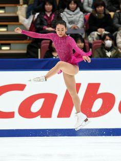 女子SPでタイミングが合わずジャンプを失敗する浅田 (800×1067) http://www.nikkansports.com/sports/figure/asada-mao/photo/article/1572179.html