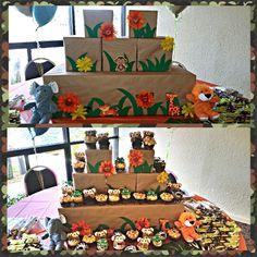 DIY Jungle Animal Cupcake Tiers | Safari Baby Shower Cupcake Stand Jungle Theme Birthday, Safari Theme Party, Girl Birthday, Party Themes, Party Ideas, Jungle Cupcakes, Animal Cupcakes, Baby Shower Cupcakes, Diy Cupcake Stand