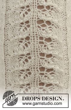 "Little Women - Knitted DROPS knee socks with lace pattern in ""Fabel"". Size 35-43 - Free pattern by DROPS Design"