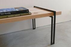 Salontafel poten | FRAME.  Handgemaakt zwart stalen tafelpoten van de koffie. Gemaakt in Noord-Californië.  ------  Bij het bestellen, staat de benen van welke stijl u nodig hebt. Dit product is gemaakt om te bestellen. Huidige overlappingstijd is 6-8 weken. Product bevat alleen stalen poten. Benen passen (2) 2 x 12 houten planken (afgebeeld).   Twee afwerkingen beschikbaar:  -Zwartmaking patina, met een afwerking van het penetrol en wax (afgebeeld). Wax moet hand toegepast om 1-2 maanden…