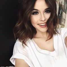 I'm Brinley Castlewood and I'm 16 years old. I'm a sophomore and I've been told I'm a bit of a player so you can take your chances I guess. (Fc Acacia Clark)