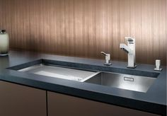 BLANCO ZEROX Stainless Steel Kitchen Sink Right Hand Main Bowl Resolute and with strength of character ''Zero radius bowls'' with th