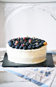 Elodie's Bakery: Blueberry and Cardamom Gateaux