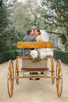 snippet and ink | getaway | wedding | horse drawn carriage | wooden cart | romantic getaway