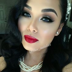 Great Gatsby make up for your wedding? This is the perfect pin-up look created by the talented @thee_natalie using Velour Lashes 'STRIKE A POSE.' I