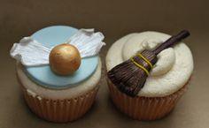 Quidditch cupcakes, for the Harry Potter party I keep saying I'm going to have!