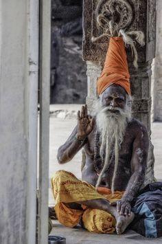 uncommonjones:  Namaste. by Bruce Cotton Thopumpady, Kochi, Kerala, India