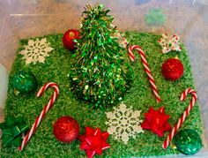 Christmas sensory play for toddlers. Great for fine motor development, sensory exploration, and fun! Christmas Activities For Families, Preschool Christmas, Toddler Christmas, Christmas Themes, Christmas Crafts, Merry Christmas, Sensory Tubs, Sensory Boxes, Sensory Play