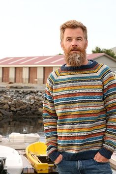 Traditional knitted sweater - Flea Sweater - Pickles - Strikkeoppskrift og garnpakker Drops Karisma, Garnstudio Drops, Drops Alpaca, Baby Alpaca, Drops Design, Raglan Pullover, Big Knit Blanket, Big Knits, Fair Isle Pattern