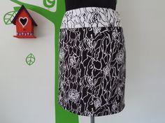Miss Black or White (Size M / 38) Skirt
