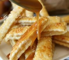 Apple Pie Fries - come to momma! refrigerated pie crust, canned apple pie filling and store bought caramel sauce make this SO easy and tempting! Köstliche Desserts, Delicious Desserts, Dessert Recipes, Yummy Food, Apple Recipes, Sweet Recipes, Scones, Fried Apple Pies, Fried Pies