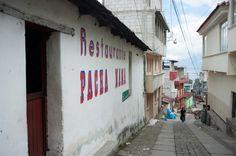 Immersions et cours d'espagnol abordables au Guatemala (Detour Local) -> Le village à flanc de montagne de San Pedro la Laguna www.detourlocal.com/cours-espagnol-san-pedro-guatemala/