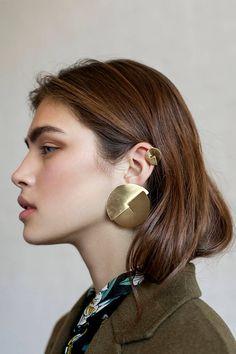 Moon Earrings / Crescent Moon Diamond Earring Studs in Gold/ Crescent Moon Earrings / Moon Gold Earrings / Mini Studs Earrings - Fine Jewelry Ideas Moon Earrings, Stud Earrings, Statement Jewelry, Gold Jewelry, Types Of Earrings, Gold Diamond Earrings, Affordable Jewelry, Piercings, Fashion Jewelry
