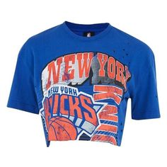 Women's Topshop By Unk New York Knicks Crop Top (€17) ❤ liked on Polyvore featuring tops, blusas, shirts, boxy top, crop shirt, boxy shirt, destroyed shirt and shirt crop top