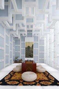 Im neuen Teehaus von Kengo Kuma in Peking dringt von allen Seiten Tageslicht durch thermoplastische Kunststoffe in den Zeremonieraum. Im Fokus steht hier die Leichtigkeit des Seins. #raumdesign #interior #innenarchitektur #inspiration #ndu #newdesignuniversity