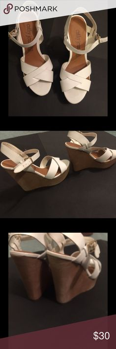 CATHY JEAN Platform Sandals Nice and comfortable strapped platform wedges perfect to wear them with a maxi dress, shorts or jeans by Cathy Jean Cathy Jean Shoes Platforms
