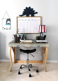 √ 15 Creative Home Office Ideas, Design, and Decor for Inspiration - Single Voice Diy Wallpaper, Peel And Stick Wallpaper, Rental Decorating, Decorating Your Home, Decorating Ideas, Daybed With Storage, Old Cabinets, Pinterest Diy, Diy Home Decor Projects