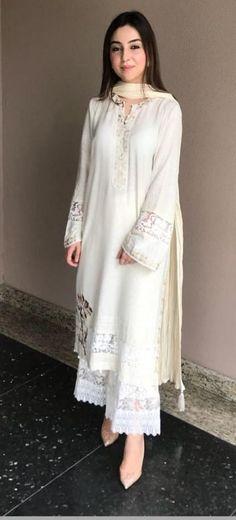 Plus Size Designer Dresses - Casual, Evening & Party Dresses Simple Pakistani Dresses, Pakistani Fashion Casual, Indian Fashion Dresses, Dress Indian Style, Pakistani Dress Design, Pakistani Outfits, Indian Outfits, Kurti Designs Pakistani, Pakistani White Dress
