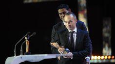 Liga de Fútbol Profesional   Iniesta, Mejor Centrocampista de Ataque de la Liga BBVA