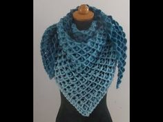 Knitted Shawls, Crochet Shawl, Knit Crochet, Fair Isle Knitting Patterns, Crochet Patterns, Colored Rope, How To Make Tassels, Cat Scarf, Crochet Triangle