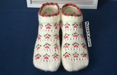 Mittens Pattern, Knitted Slippers, Baby Knitting Patterns, Couture, Crochet, Diy And Crafts, Socks, Dresses, Fashion