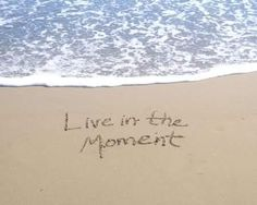 Living in the moment takes practice,when you learn how to live this way, you will lead fuller life and appreciate beauty in every second of day. Learn how to live in the moment with these ideas. Qigong, Animal Reiki, Raise Your Standards, Meditation, Spine Health, Life Quotes To Live By, Live Life, Wayne Dyer, Self Help