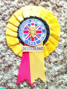 WEST GERMANY, DUETSCHLAND World Cup Willie Rosette 1966 World Cup England