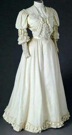 1900-1910. Mode Museum, Antwerp.