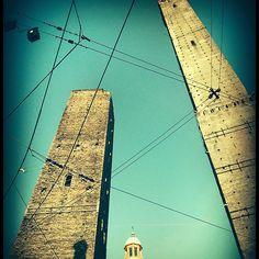 dalla tour eiffel alle due torri #tuttoDiGuadagnato #BolognaPerMeProvincialeParigiInMinore by martybin