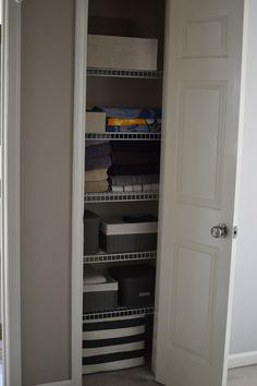 Under the Oaks blog: Linen Closet Refresh #homedecor #homerenovations