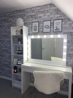 Room Design Bedroom, Room Ideas Bedroom, Bedroom Decor, Vanity Area, Vanity Room, Cute Room Decor, Teen Room Decor, Cool Bedrooms For Teen Girls, Small Room Layouts