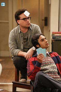 Johnny Galecki and Kunal Nayyar in The Big Bang Theory Big Bang Theory Quotes, The Big Theory, Amy Farrah Fowler, Johnny Galecki, Popular Shows, Episode 3, Best Tv, Funny Fails, Bigbang