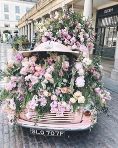 The Porcupine - Covent Garden, London Covent Garden, My Flower, Pretty In Pink, Beautiful Flowers, Des Fleurs Pour Algernon, Vegetable Garden Design, Flower Aesthetic, Plantar, Garden Furniture