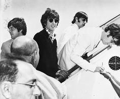 One last autograph , LAX International Airport , 29th August 1966
