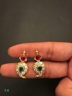 Jewelry Design Earrings, Gold Earrings Designs, Gold Jewellery Design, Gold Jewelry, Beaded Jewelry, Jewlery, Gold Bridal Earrings, Ear Rings, Lockets