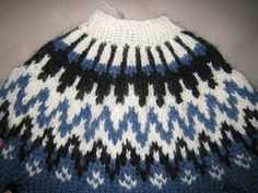 Here is a description with picturess and text on how to knit a Icelandic Sweater. Jumper Knitting Pattern, Knitting Patterns Free, Knit Patterns, Free Knitting, Free Pattern, Icelandic Sweaters, Fair Isle Pattern, Fair Isle Knitting, Knitting Projects