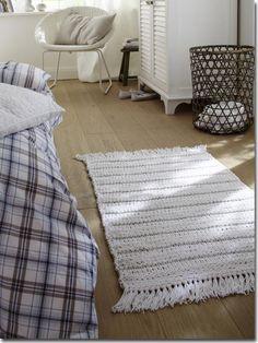 Knitted carpet in left-right pattern - Pillow Shop Carpet Diy, Shag Carpet, Beige Carpet, Cactus Wall Art, Cactus Print, Painting Carpet, Basement Carpet, Square Blanket, Crochet Pillow