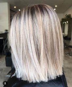 Bob hairstyles for women - Praise Hairstyles for Straight Hair Informations About Bob Frisuren für Damen Pin You can easily - Short Straight Hair, Straight Hairstyles, Lob Hairstyles, Ladies Hairstyles, Pretty Hairstyles, Medium Blonde Hair, Brown Blonde Hair, Wavy Hair, Fall Blonde