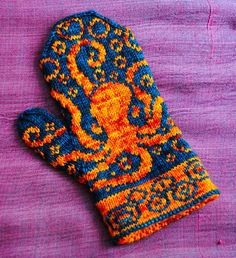 Octopus Mittens!! I think I'm gaining a love of whimsical mittens... Even if there is little use for them in Southern California.