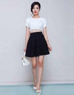 Chân váy in hoa nổi 3d màu đen-A1569