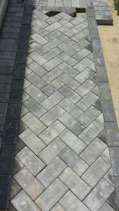 Patio paver ideas for your garden or backyard. Stone, brick, and block paver design ideas. Outdoor Walkway, Brick Walkway, Front Walkway, Cobblestone Walkway, Stone Driveway, Concrete Walkway, Front Steps, Concrete Slab, Patio Patterns Ideas