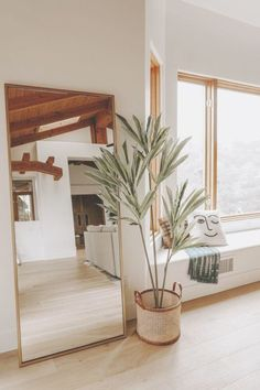 On the hunt for a full length mirror to add to your home, appartement, or condo? Camilla of Navy Grace has done the researching and found almost 20 mirrors.mid century and boho home Style At Home, Aesthetic Rooms, Affordable Home Decor, My New Room, Home Decor Inspiration, Decor Ideas, Mirror Inspiration, Decorating Ideas, Boho Ideas